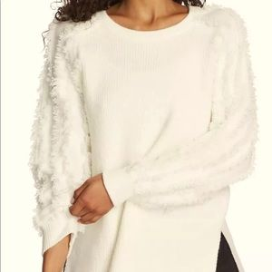 1.state pull over sweater fringe sleeves-M